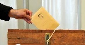 Azerbaycan Referanduma Gidiyor