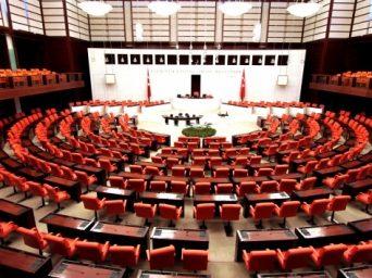 AK Parti, Anayasa Değişikliği Metnini MHP'ye Sundu