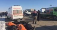 Van'da Öğrenci Minibüsü İle Kamyonet Çarpıştı