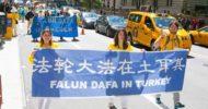 Falun Dafa'nın 25. Yılı: 10.000 Katılımcı İle New York'ta Dev Geçit Töreni