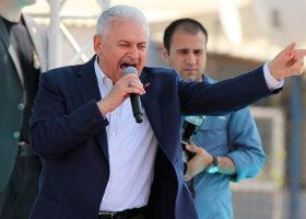 Başbakan Yıldırım: İzmir-Ankara 3,5 Saate İnecek