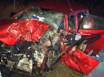 Edirne-İstanbul Otoyolunda 2 Otomobil Kafa Kafaya Çarpıştı