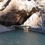 İçi Su Dolu Mağara Görenleri Hayrete Düşürüyor