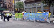 Falun Gong Uygulayıcıları Ülkelerinde Adalet İstiyor