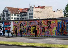 Almanya, Berlin Duvarı'nın Yıkılışının 28. Yılını Kutluyor