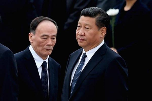 Yolsuzluklarla mücadelen sorumlu bakan Wang Qishan ve Devlet başkanı Xi Jinping, Jiang Zemin'i devre dışı bırakmayı düşünüyor. (Fotoğraf: Feng Li / Getty Images)