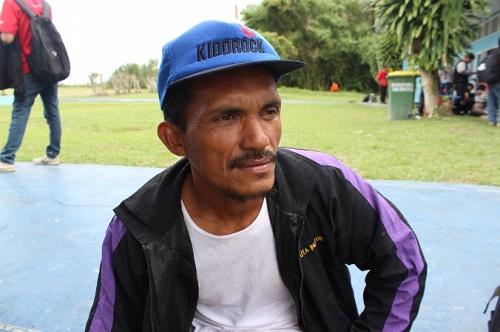 AirAsia uçağı kazasının en önemli görgü tanığı balıkçı Rahmat, Endonezya'nın Kampung Kubu köyünde yaşıyor. (Asari/Epoch Times)