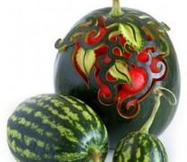 Sebze ve meyve dekoratif oymacılık sanatı
