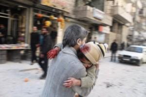 ALEPPO, SURİYE - 3 ŞUBAT: Suriye ordusu helikopterlerinin bombalaması sonucu dördü çocuk olmak üzere en az 24 kişi hayatını kaybetti (Ahmed Muhammed Ali/Anadolu Agency/Getty Images)