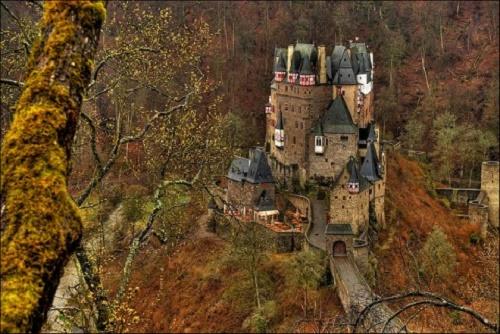 Burg Eltz, Almanya