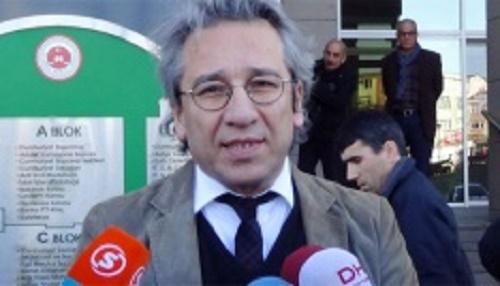 Cumhuriyet Gazetesi Genel Yayın Yönetmeni Can Dündar ifade vermek üzere İstanbul Adalet Sarayı'na geldi. (İHA)