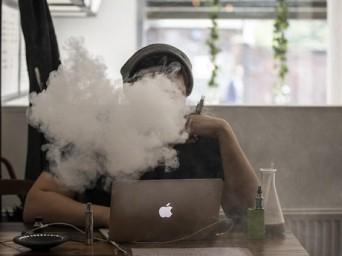 Dikkat: Çin Malı E-Sigaralar Bilgisayar Virüsü Taşıyor