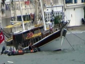 Fırtına Balıkçılara Zor Anlar Yaşattı