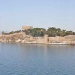 Kuşadası'nın Simgesi Tarihi Güvercinada Bakıma Alındı