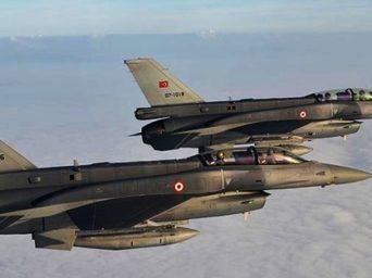Türk Pilot Afrin'de İmkansızı Başardı!