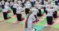 Hindistan'da Yoga Günü Kutlaması